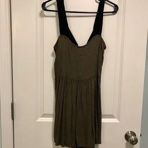 Solemio Dresses - ⭐️MAKE AN OFFER⭐️ Olive green dress